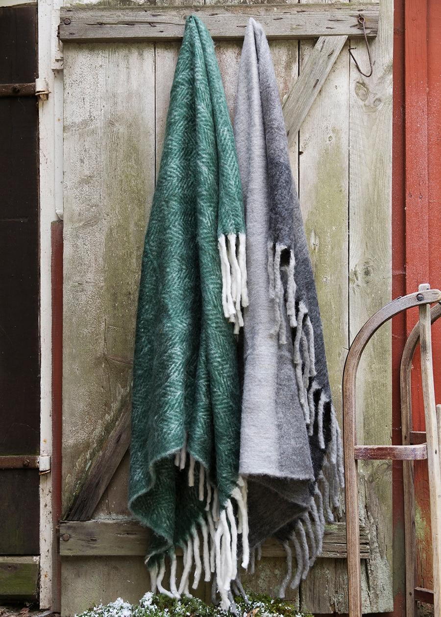 Wool Plaid Dark Green w. Light Fringes