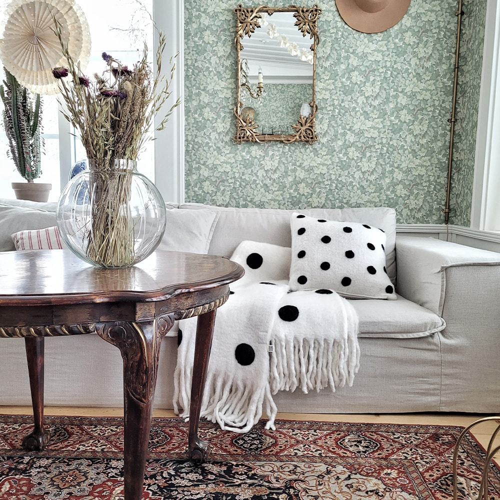 Cushion Cover Dot White/Black