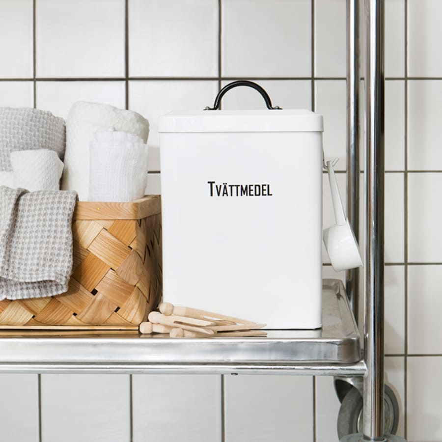 Tin Svarte Petter Tvättmedel w. Scoop